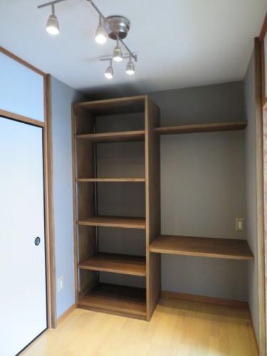 2階棚付き机