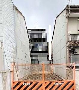 バス停徒歩1分、祇園四条までバス乗車20分の新築一戸建です!